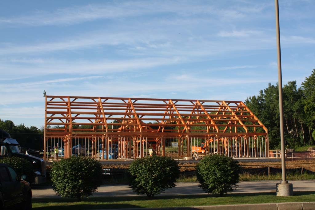 Commercial_timberframe_pub_2