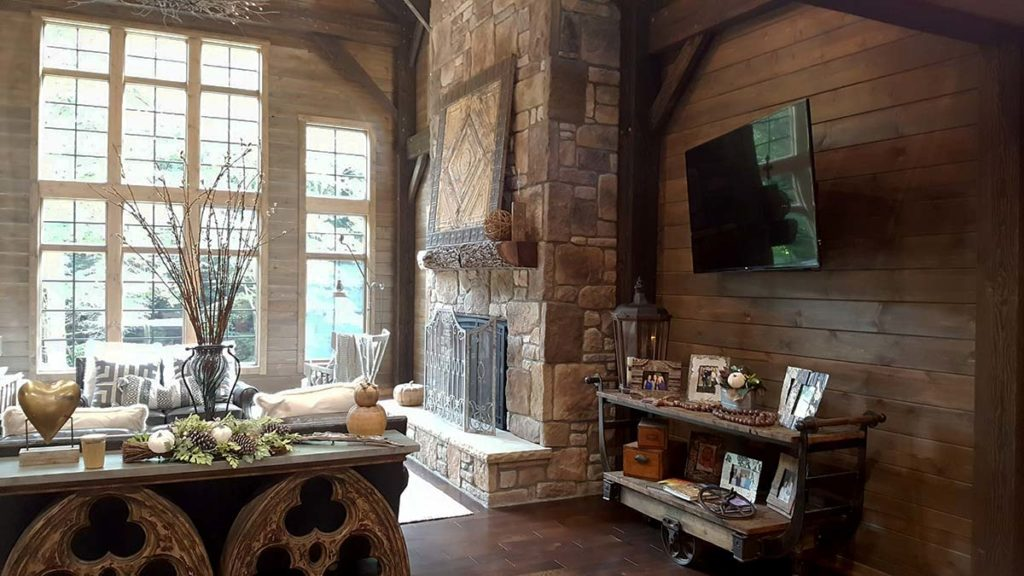coolspring-livingroom-and-fireplace-optimized